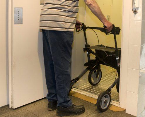 rollator mobiliteit veiligheid in huis Ergotherapie Van der Sande